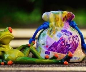 riche-argent-richesse-salaire-patrimoine
